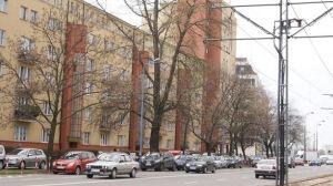 """Gdzie parkingi na Żoliborzu? [br]""""Na trawie, torach, placach"""""""