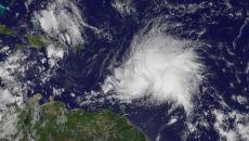 Tropikalny sztorm Maria rośnie w siłę